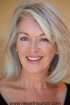 Medium Geschichteten Frisuren für Frauen über 60
