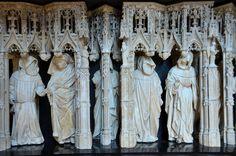 Tombeaux des ducs de Bourgogne (cénotaphe de Jean-sans-Peur et Marguerite de Bavière) - Pleurants.Palais des Ducs et des Etats de Bourgogne .Musée des Beaux-Arts. Dijon (Côte-d'Or) - Bourgogne