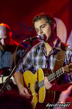 Easton Corbin performs at the KMPS Vibe Room at Snoqulamie Casino's Club Sno. Country Strong, Country Boys, Country Music, Celebrity Weddings, Celebrity News, My Love Song, Easton Corbin, Justin Moore, Amigurumi