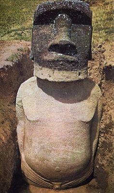 Le corps des statues Moïa de l'Îles de Pâques.