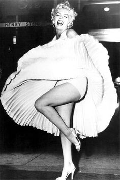 Marilyn Monroe sul set di The Seven Year Itch, 1954 by Bruno Bernard