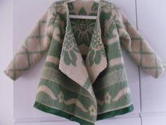 Jas of vest gemaakt van vintage deken, mt. 110 van MORETHANVINTAGE op DaWanda.com