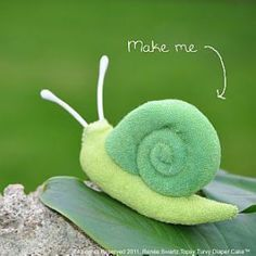 Washcloth Snail Instructional Video | YouCanMakeThis.com
