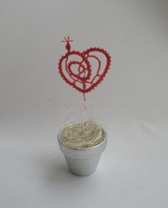 "Wedding favours with hand-made Idrija bobbin lace, ""Heart"" motive Lace Heart, Bobbin Lace, Wedding Favours, Lace Wedding, Favors, Decoration, Handmade, Decorating, Gifts"