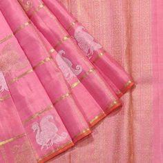 This light pink Kanjivaram Saree has peacock motifs (with gold and silver zari) placed in checks. It also a symmetric patterns on it's pallav made with golden zari. Kanjivaram Sarees Silk, Indian Silk Sarees, Kanchipuram Saree, Soft Silk Sarees, Banarsi Saree, South Indian Sarees, Pink Saree Silk, Wedding Silk Saree, Organza Saree