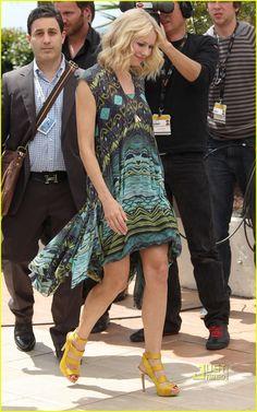 Naomi Watts - love the colour!