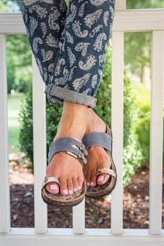 d7a9a083025 Enjoy our MUK LUKS® Women s Daisy Sandals that never go out of style. Toe