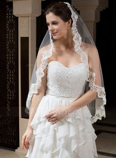Fingertip Bridal Veils Tulle One-tier Oval Mantilla Lace Applique Edge Applique Rhinestones 35.43 in (90cm) White Ivory White White Spring Summer Fall Winter A-line/Princess Ball Gown Empire Sheath Mermaid Color & Style representation may vary by monitor