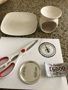 I love the kitchen scales I made, and so I decided to make a small one. I saw this idea from Jay Munee DIY, and when I saw these square plates, I knew they'd be perfect! I used a candle warmer as the base. I began by spraying the canning jar lid Thanksgiving Diy, Dollar Tree Decor, Dollar Tree Crafts, Dollar Tree Plates, Canning Jar Lids, Farmhouse Kitchen Decor, Farmhouse Ideas, Farmhouse Style, Diy Kitchen