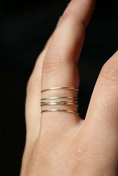 silver skinny rings.