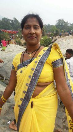 Beautiful Girl In India, Beautiful Girl Body, Beautiful Women Over 40, Beautiful Roses, South Indian Actress Hot, Beautiful Indian Actress, Arabian Beauty Women, Dehati Girl Photo, Indian Girls Images