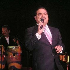 Gilberto Santa Rosa live on stage