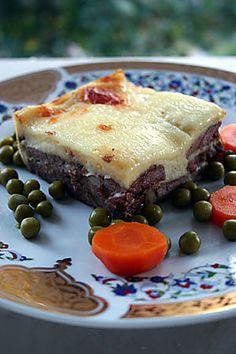 Kasarli_biftek Turkish Recipes, Ethnic Recipes, Iftar, Hamburger, Sandwiches, Dishes, Meat, Kitchen, Food