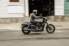 Take on the urban grid with 500cc of easy-handling, blacked-out #Dark Custom style. | 2016 Harley-Davidson Street 500 #harleydavidsonstreet500