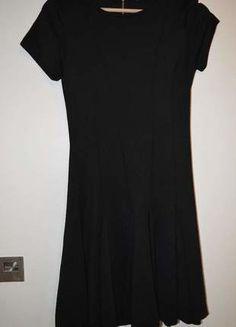 À vendre sur #vintedfrance ! http://www.vinted.fr/mode-femmes/robes-habillees/25713678-robe-noire-habillee-bershka