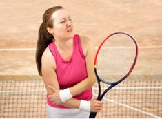 Imagine a sharp shooting pain in your elbow each time you raise your arm to make a pass during a game of tennis. A pain that affects your daily life and makes simple everyday tasks like lifting your s Pro Tennis, Tennis Gear, Tennis Tips, Tennis Elbow Symptoms, Forearm Muscles, Elbow Pain, Neck Pain, Rotator Cuff, Sports Medicine