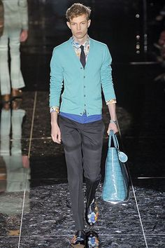 See the complete Gucci Spring 2009 Menswear collection.