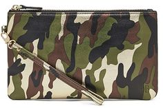 #nationalhandbagday . . . Love this one because it will charge my phone while I am out all weekend!  #chargeonthego #MightyPurse #Camo