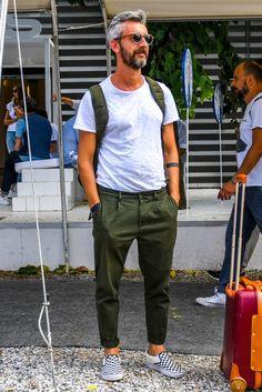 Mens Fashion Casual – The World of Mens Fashion Fashion Moda, Mens Fashion, Fashion Trends, Normcore Fashion, Fashion Pants, Stylish Men, Men Casual, Mode Lookbook, Mode Man
