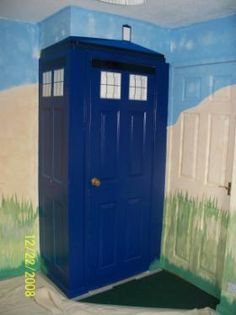 Dr. Who  Cute Tardis painting idea for corner of room