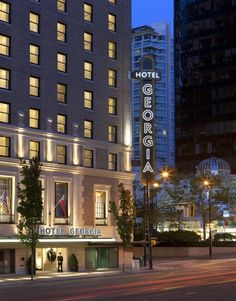 The Top Ten Luxury Hotels In Canada Voted By Tripadvisor Rosewood Hotel Georgia Vancouver British Columbia