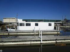 A True Live Aboard Full Size Bath & Full-size Appliances In Galley