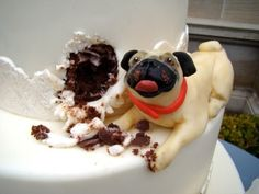 LOL at this pug detail on this wedding cake (by The Butter End Cakery) by lynne