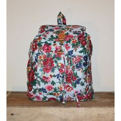 On S A L E... Vintage 90s Floral Print Backpack Gitano Back Pack... (84 CAD) ❤ liked on Polyvore featuring bags, vintage floral backpack, flap backpack, vintage rucksack, vintage bags and floral backpacks