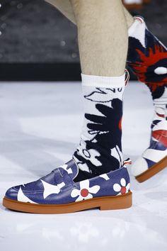 Thom Browne Spring 2017 Menswear Fashion Show Details Burberry Men, Gucci Men, Pretty Shoes, Beautiful Shoes, Dream Shoes, Crazy Shoes, Sock Shoes, Men's Shoes, Fashion Shoes