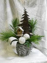 vánoční výzdoba oken - Hledat Googlem Easy Christmas Decorations, Christmas Wreaths, Christmas Crafts, Christmas Ornaments, Holiday Decor, Christmas Mood, Rustic Christmas, Merry Christmas, Flower Arrangements