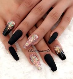 On average, the finger nails grow from 3 to millimeters per month. If it is difficult to change their growth rate, however, it is possible to cheat on their appearance and length through false nails. Cute Acrylic Nails, Matte Nails, Acrylic Nail Designs, Blue Nails, Nail Art Designs, Gel Nails, Nails Design, Coffin Nails, Black Glitter Nails