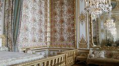 Palace of Versailles - Queen Marie Antoinette's bed chamber. So hard to believe privileged people lived like this in the 17th century.