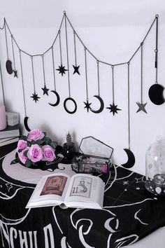 Goth Bedroom, Room Ideas Bedroom, Gothic Bedroom Decor, Gothic Room, Gothic House, Witch Room, Goth Home Decor, Creepy Home Decor, Diy Inspiration