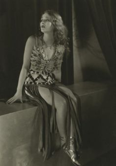 Dolores Costello in Noah's Ark Dolores Costello, Actor Secundario, Actor John, Old Hollywood Glamour, Vintage Hollywood, Classic Hollywood, Silent Film Stars, Movie Stars, Film Movie