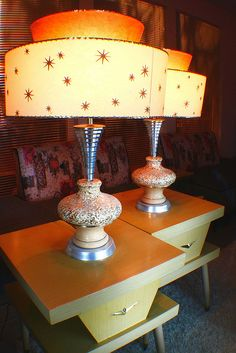 Atomic Lampshades--just not a big fan of this mid-century look. Same with a lot of the stuff. Had Danish Modern when I first married. Mid Century Lamp, Mid Century Modern Decor, I Love Lamp, Vintage Lamps, Retro Decor, Vintage Decor, Mid Century Decor, Retro Lamp, Cool Lamps