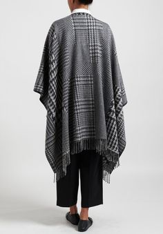 Alonpi Cashmere Bono Houndstooth and Herringbone Poncho in Grey | Santa Fe Dry Goods . Workshop . Wild Life Santa Fe Dry Goods, Cashmere Fabric, Chic Clothing, Blanket Stitch, Herringbone Pattern, Saturated Color, Wild Life, Square Scarf, Houndstooth