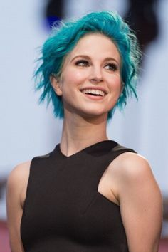 When her wavy blue bob was an absolute scene-stealer. | 23 Photos That Prove Hayley Williams Is A Hair Goddess