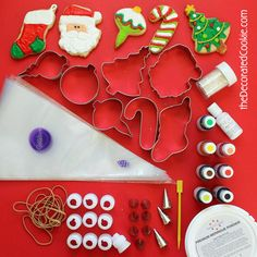 Decorating Christmas cookies, a guide to decorating ornaments, a Christmas tree, a stocking, a candy cane and Santa Claus. Christmas Cookie Exchange, Christmas Treats, Christmas Decorations, Christmas Recipes, Holiday Recipes, Decorating Ornaments, Cookie Decorating, Decorating Tips, Cute Cookies
