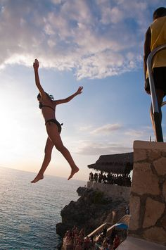 Cliff jumping Negril Jamaica-Oh yes!! gonna try this jump!
