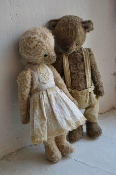 stuffed bears in clothes ... awwwww  from In the Arms of Sleep