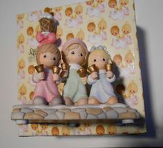 """PRECIOUS MOMENTS 2005 FIFTH ISSUE""""BELLS OF CHRISTMAS"""" ILLUMINATED MUSICAL #A1281"""