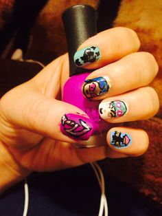 League of legend nails. (Thresh, jinx, Teemo, a ward and Diana's weapon :D )