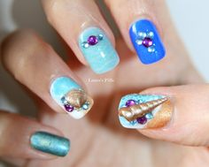 Beach press on nails Set of 18 by LaurasPills on Etsy, $10.00