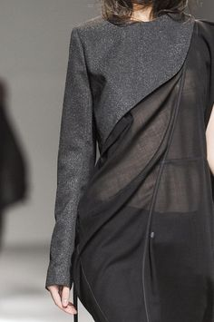 Structured asymmetric top over a semi-sheer dress; fashion details // Nicolas Andreas Taralis S/S 2013 Lined of course Fashion Moda, Runway Fashion, High Fashion, Womens Fashion, Fashion Trends, Dress Fashion, Diy Camisa, Fashion Details, Fashion Design
