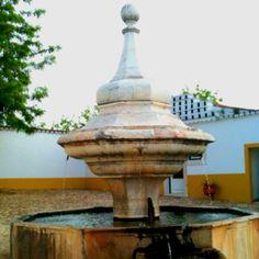 Fuente de quinta portuguesa en el Alentejo