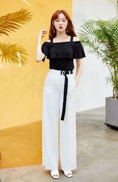 Korean Fashion – How to Dress up Korean Style – Designer Fashion Tips Tall Girl Fashion, Korean Girl Fashion, Girls Fashion Clothes, Korean Street Fashion, Asian Fashion, Fashion Dresses, Korean Actresses, Korean Celebrities, Korean Outfits