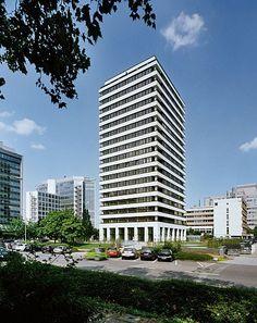 """Residential Tower """"Lyonerstraße"""" by Stefan Forster Architekten"""