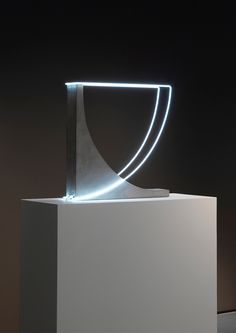 Collection-of-Sculptural-Lighting-plays-with-perception-Morgane-Tschiember_1 Collection-of-Sculptural-Lighting-plays-with-perception-Morgane-Tschiember_1
