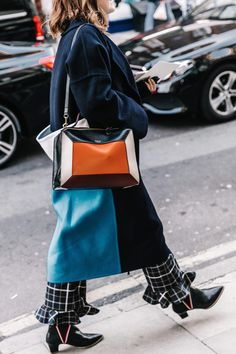 http://www.collagevintage.com/2017/02/lfw-street-style-i-2/
