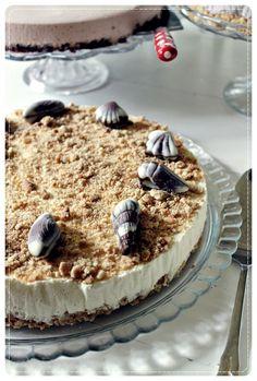 Merellinen valkosuklaakakku Tiramisu, Cheesecake, Baking, Ethnic Recipes, Cakes, Food, Cake Makers, Cheesecakes, Bakken